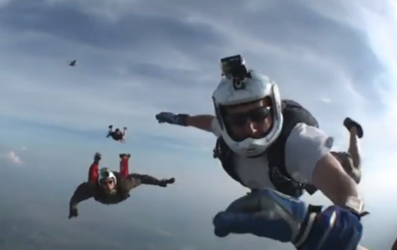 Dramatic moment unconscious skydiver rescued